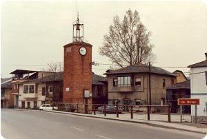 La torre del reloj de Camponaraya en el camino de Santiago